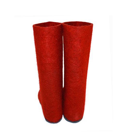Мужские красные валенки с подошвой