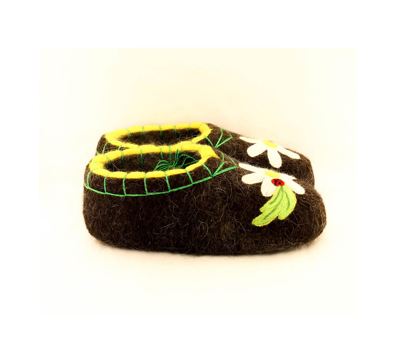 Женские черные тапочки «Бабочка в Ромашке»