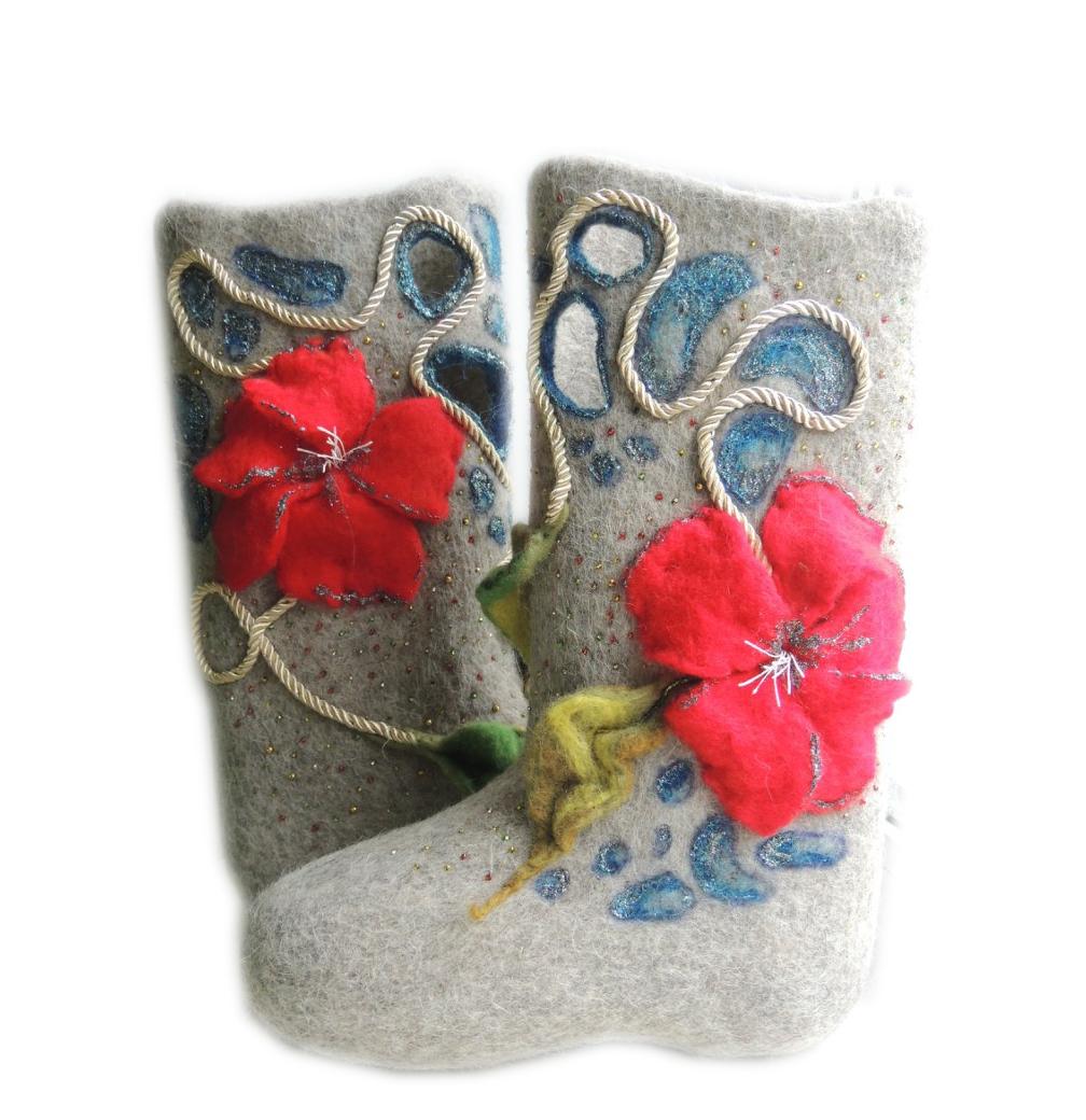 Женские валенки «Красный цветок»