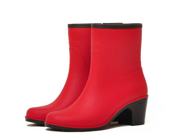 Женские полусапожки Nordman Bellina с мехом на каблуке, цвет красный