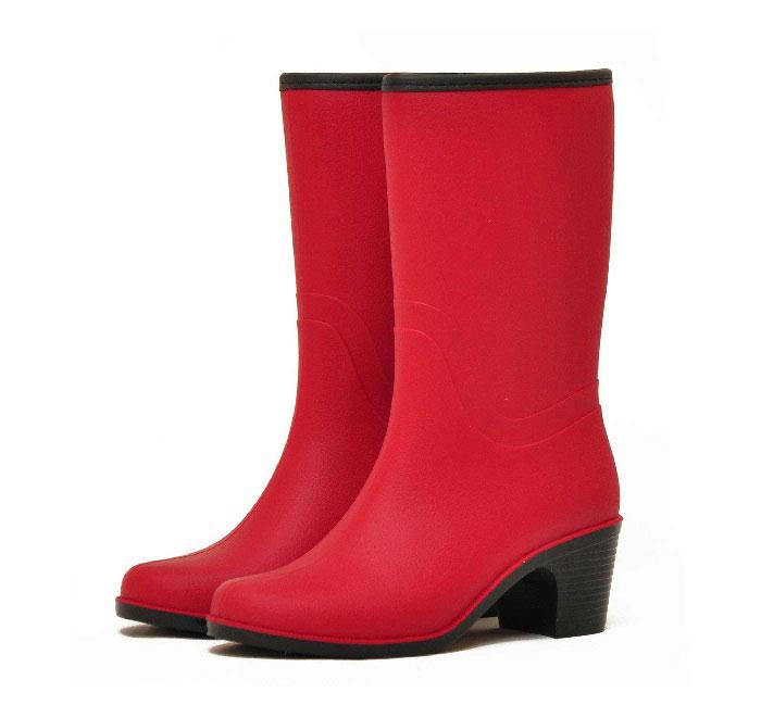 Женские сапоги Nordman Bellina укороченные с мехом на каблуке, цвет красный